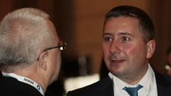 Прокуратурата обвинява Прокопиев и двама други в пране на пари