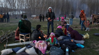 Близо 2000 мигранти са опитали да преминат от Турция в Гърция