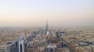 Саудитският милиардер, за който не е сигурно дали е жив, но богатството му не спира да расте