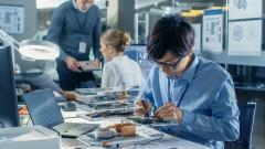 На работа по 12 часа 6 пъти седмично: Реалността за заетите в ИТ сектора в Китай