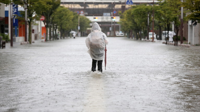 Южната китайска провинция Дзянси издаде най-високото си предупреждение за наводнение,