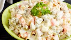 """""""Руска"""" без яйца, """"Снежанка"""" без мляко: Какво съдържат готовите салати?"""