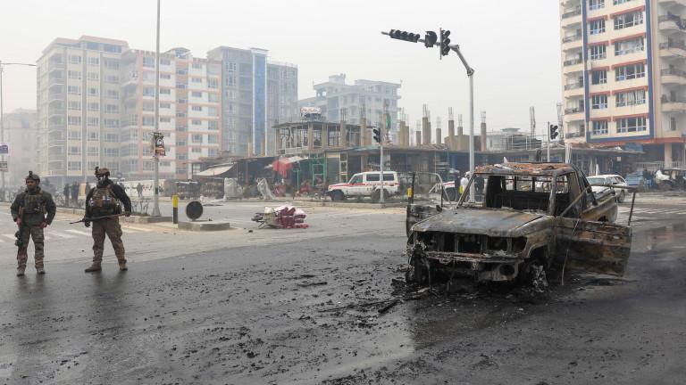 САЩ прахосали милиарди долари в Афганистан за сгради и автомобили,