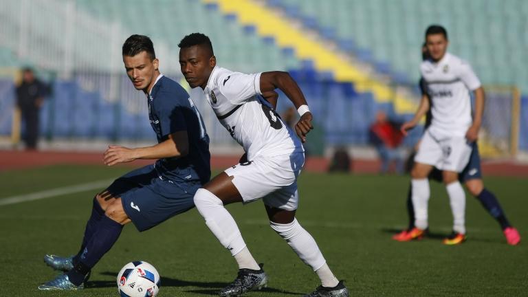 Треньорът на Дунав дава шанс на Бранко Костадинов
