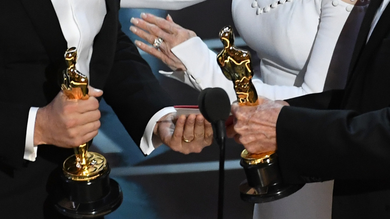 Ето кой е виновен за гафа на Оскарите