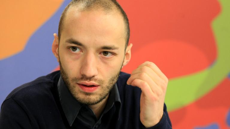 Димитър Ганев: Всички партии в парламента губят от протеста