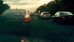 """Огромно задръстване на АМ """"Тракия"""" - 5 км се взимат за час"""