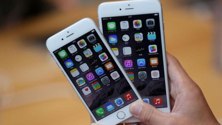 Защо Apple пази информацията ви при свой конкурент?