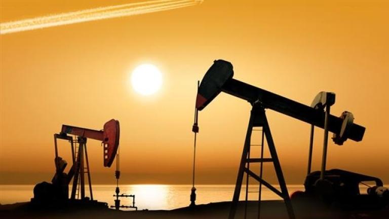 Цената на петрола слезе под $63 за барел