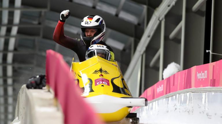 Германия спечели олимпийската титла на двуместен бобслей при жените на
