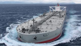 Защо Китай съхранява огромни количества петрол в морето?
