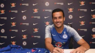 Педро подписа нов договор с Челси