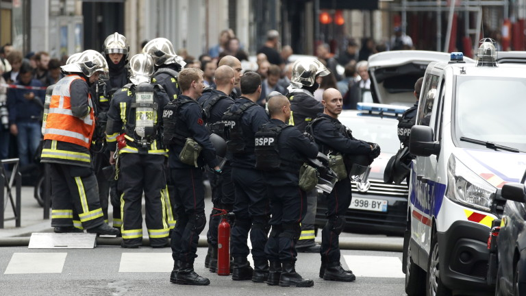 Освободиха заложниците в Париж