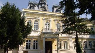 Сградата на Художествената галерия в Силистра се руши