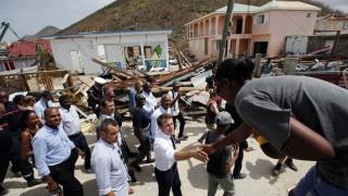 Макрон посети опустошения от урагани остров Сен Мартен