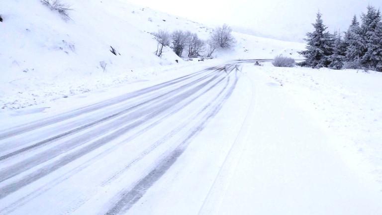 АПИ предупреждава шофьорите за опасно време