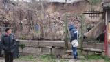 Паднала подпорна стена застрашава кметството на село Пороминово