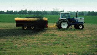 """Внасяме 1000 евтини трактора """"Беларус"""""""