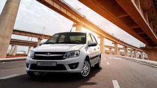 """Българите купуват повече коли """"Лада"""", отколкото Seat и Honda"""