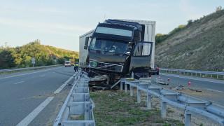 Тир катастрофира в Благоевград