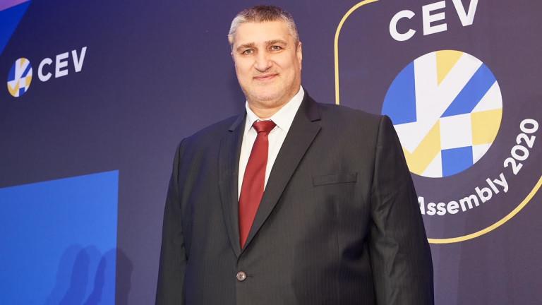 Президентът на волейболната федерация Любо Ганев и кметът на Пловдив