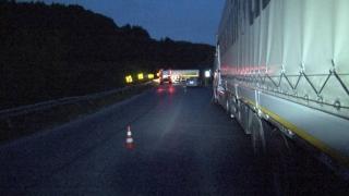 Катастрофа между цистерна и лека кола блокира изхода на Велико Търново