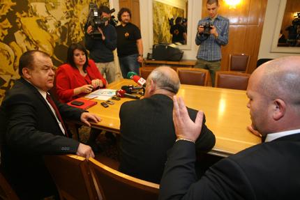 """Провали се """"очната ставка"""" между Бареков, Борисов и Петното"""
