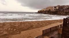 Проливните дъждове и бурни вълни отнесоха плажовете на Созопол