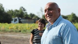 """Борисов се радва на работните пчелички по АМ """"Хемус"""""""