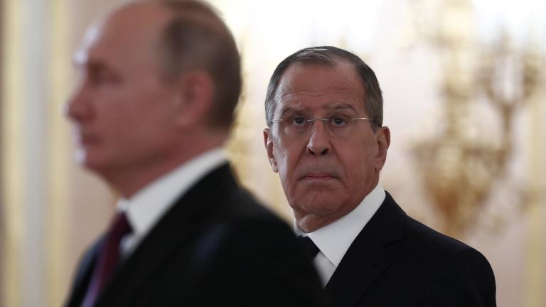 Руският външен министър Сергей Лавров обясни пред НАТО да не