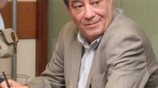 Проф. Миланов: Сегашната политика на МЗ съсипва спешната помощ