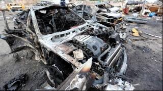 Жертви и десетки ранени при взрив на кола бомба в Сомалия