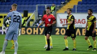 Никола Попов ще си почине от елитния футбол