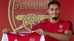 Арсенал обмисля да прати защитник под наем