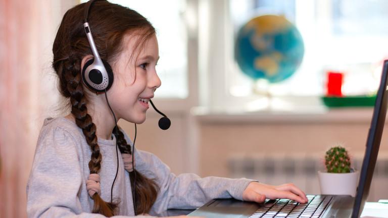 2/3 от учениците по света нямат интернет у дома