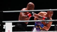 Майк Тайсън и Рой Джоунс-Младши не се победиха в 8-рундова битка