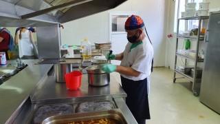 Ресторантите в Сандански носят топла храна за медиците от първа линия