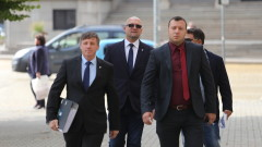 И кандидат-президентската двойка Костадин Костадинов-Елена Гунчева се регистрира