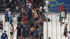Фенове на Русия задържани преди мача със Словакия!