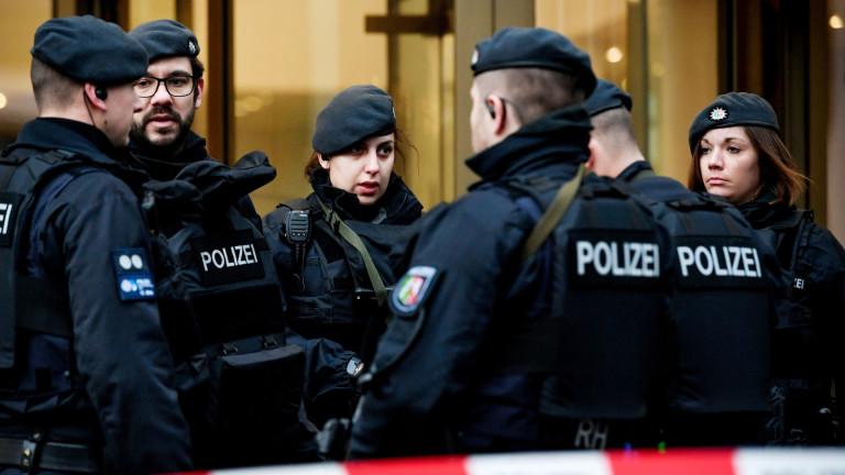 Германската полиция извършва претърсвания заради хакерската атака срещу политици