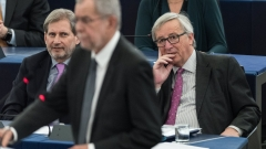 Юнкер: ЕС не трябва да се огъва пред САЩ