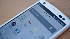 Някогашната марка номер 1 за телефони в Япония си търси нов купувач