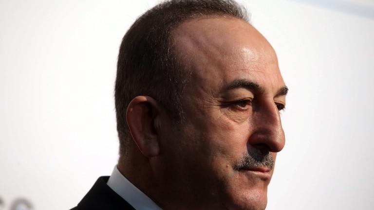Външният министър на Турция с изненадваща визита в Либия