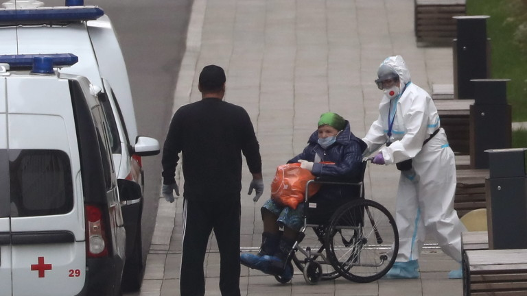 Пореден рекорд в Русия за починали от COVID-19