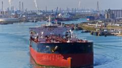 Горивото, което вдигна цените на петрола, пътува към Азия