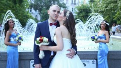 Моника Валериева беше шаферка на сестра си (СНИМКИ)