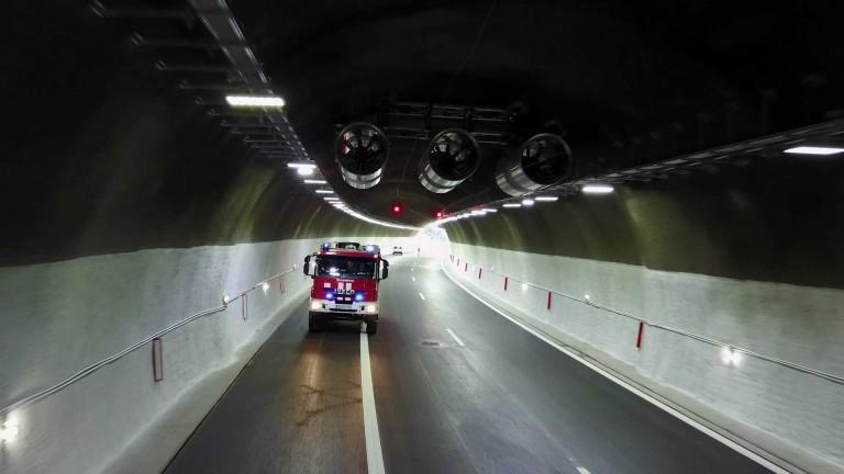 """До 15:30 ч. движението в тунел """"Топли дол"""" към Варна е само в изпреварващата лента"""