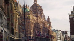 Лондон реже данъчните облекчения за богатите