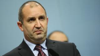 Румен Радев: Намаляването на субсидиите задушава опозицията преди изборите