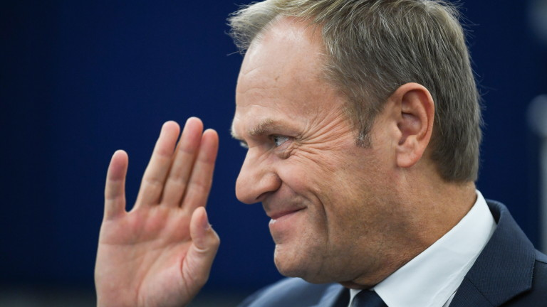 Доналд Туск гласен за председател на най-голямата дясноцентристка политическа група